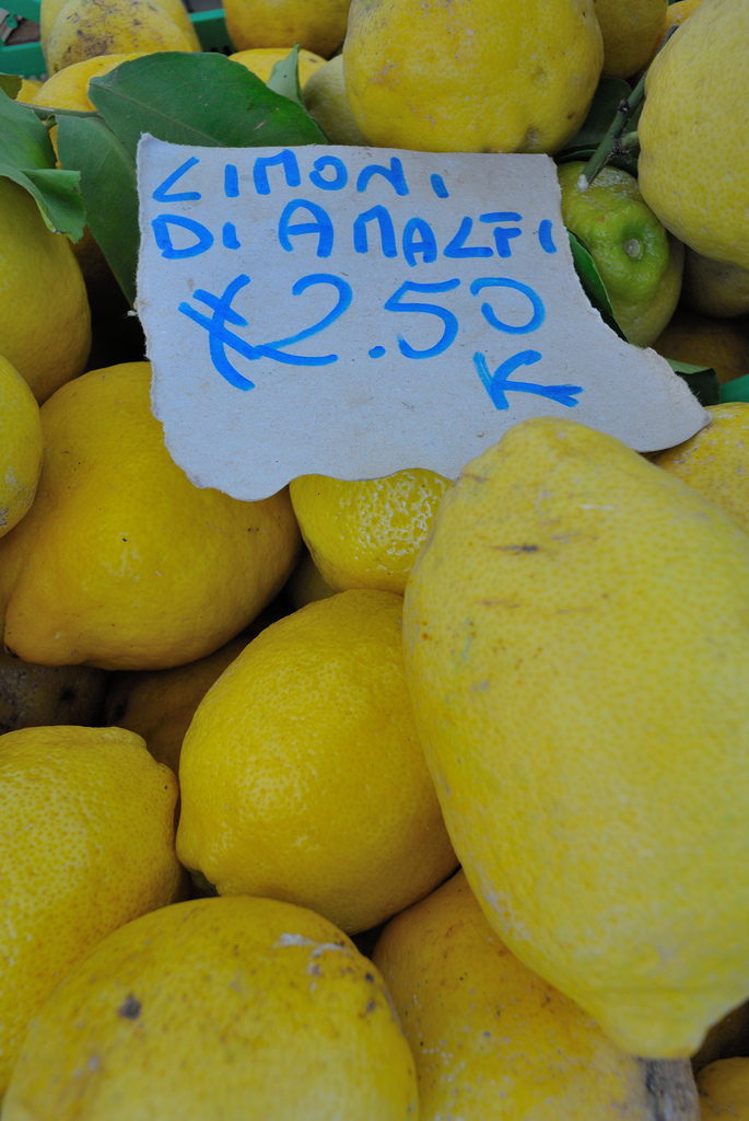 rome open air market limoni lemons amalfi