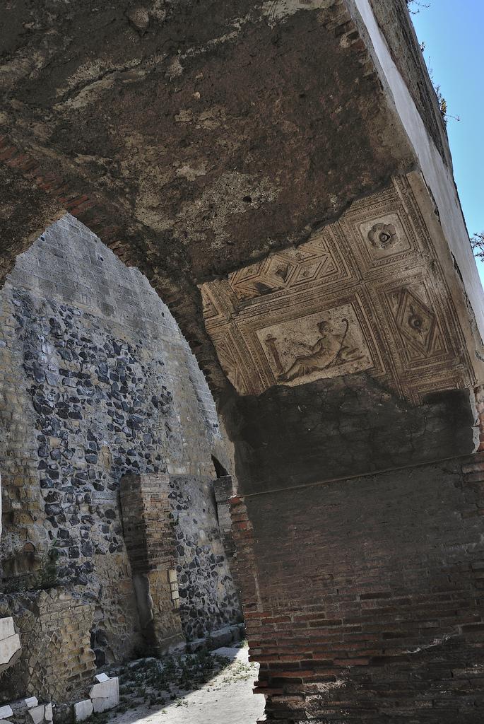 nikon v1 arch ruins restoration